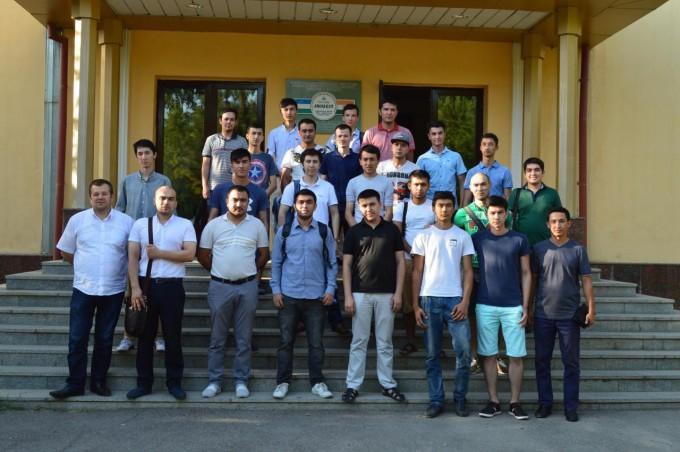 TATUda dasturchilar uchun UzGeeks Community mitapi bo'lib o'tdi